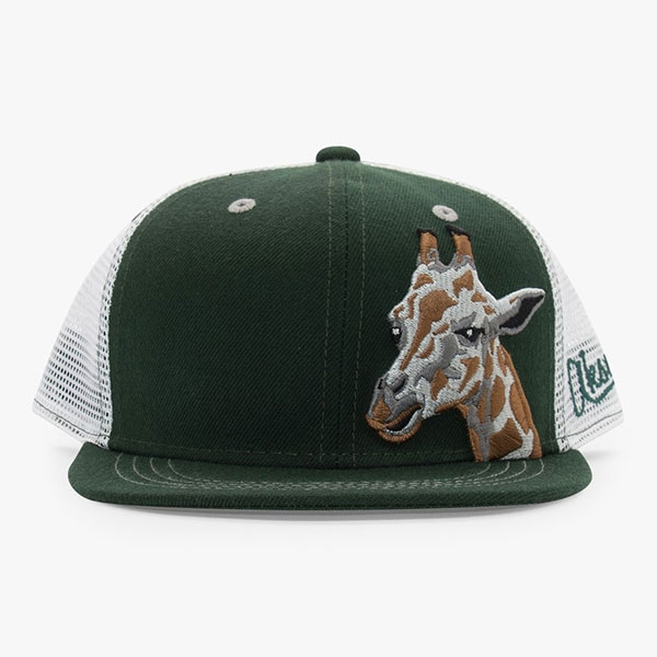 YOUTH HAT GIRAFFE BODY